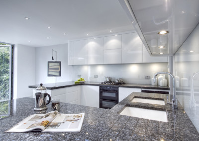 High Gloss, seamless Kitchen, elegant finish